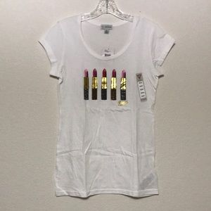 White Graphic T-shirt lipsticks design